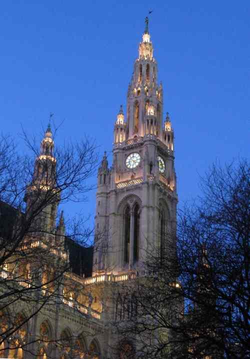 Rathaus at dusk