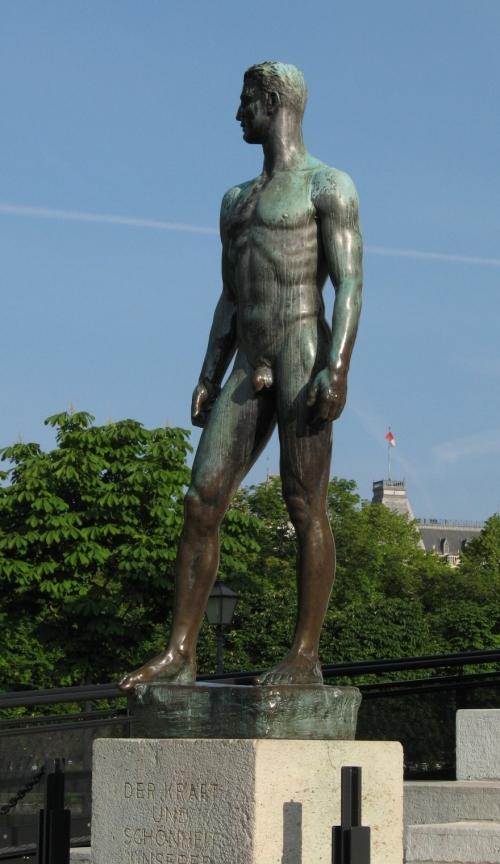 Statue_male_blog