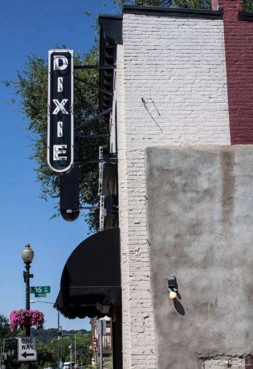 Dixie Liquors
