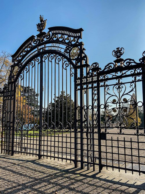 Entrance gate to Jardin des Serres d'Auteuil