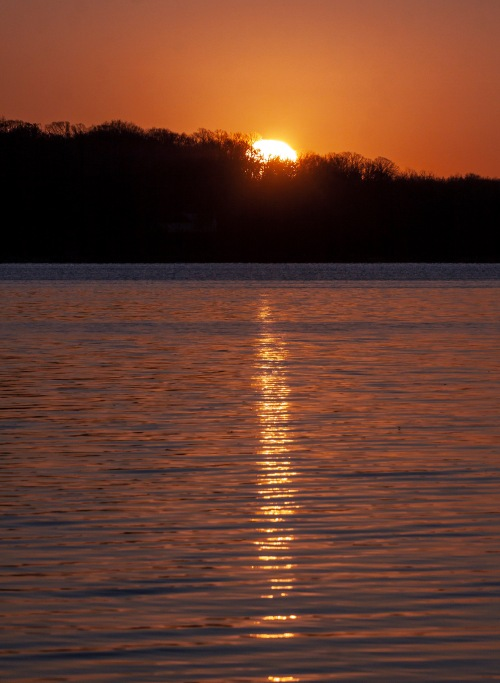 sunrise at Occoquan Bay